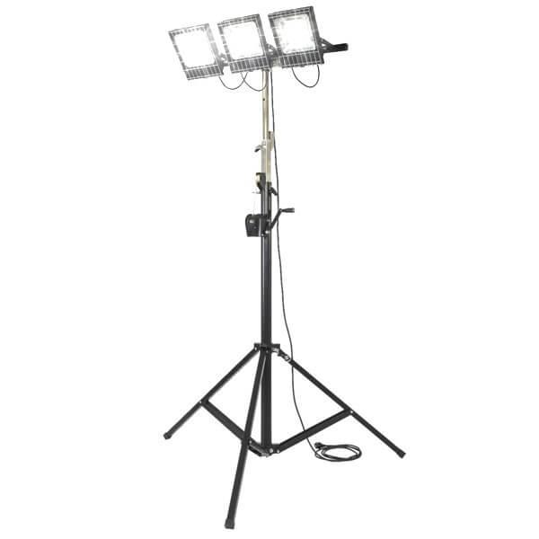 maszty-stojaki-oswietleniowe-LM3x100R-on
