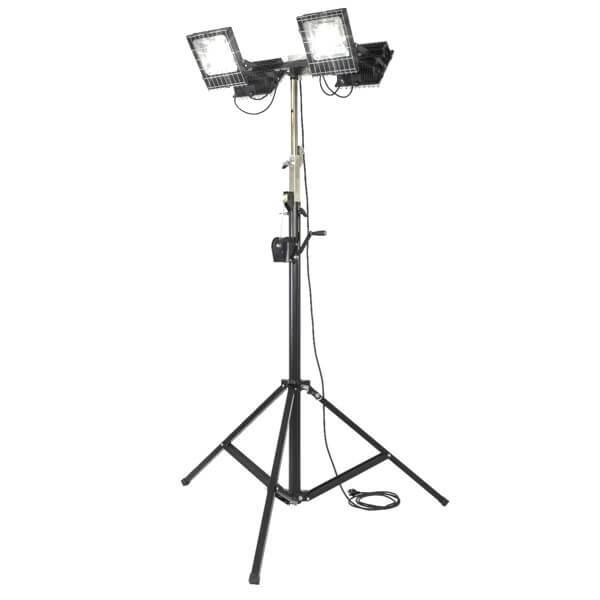 maszty-stojaki-oswietleniowe-LM4x100R-on