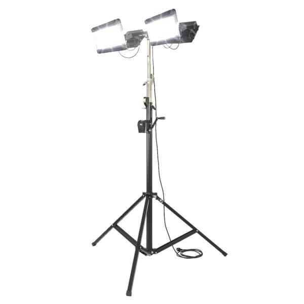 maszty-stojaki-oswietleniowe-LM4x200F-on