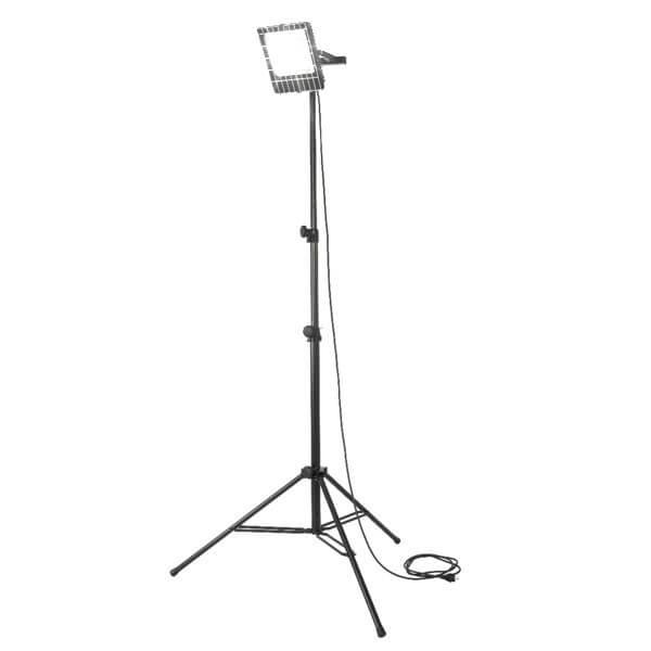 maszty-stojaki-oswietleniowe-LMx50R-on