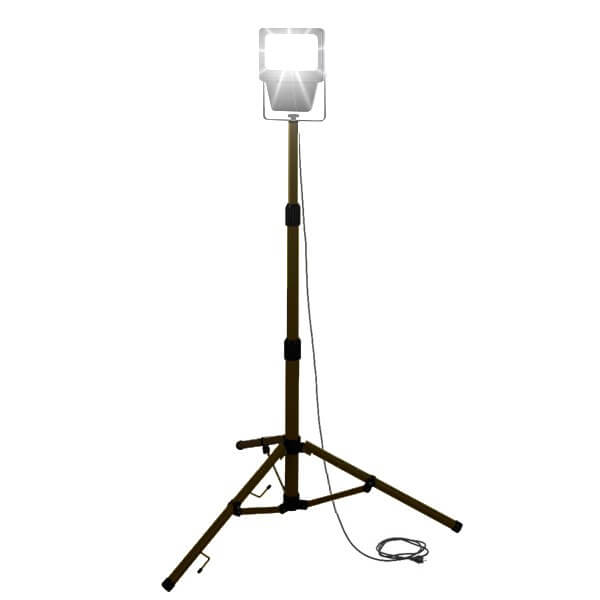 maszty-stojaki-oswietleniowe-LM20A-on