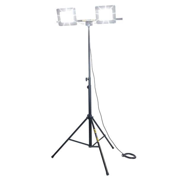 maszty-stojaki-oswietleniowe-LM2x100AW-on