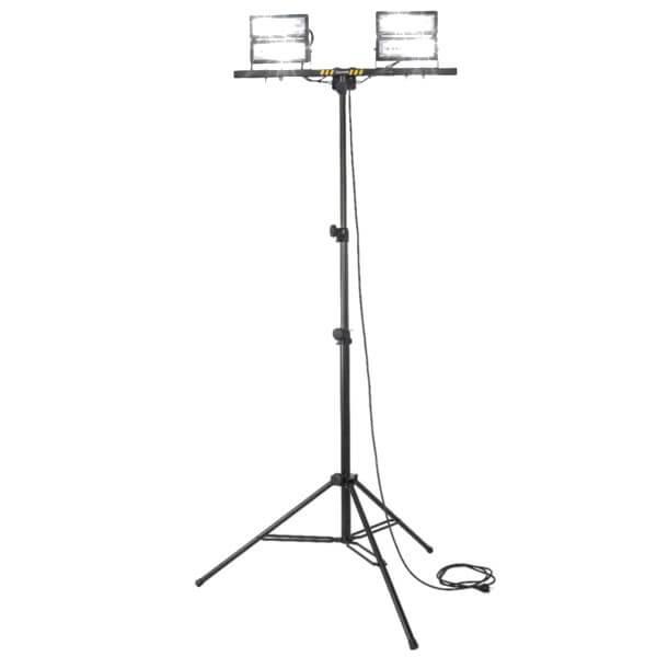 maszty-stojaki-oswietleniowe-LM2x100F-on