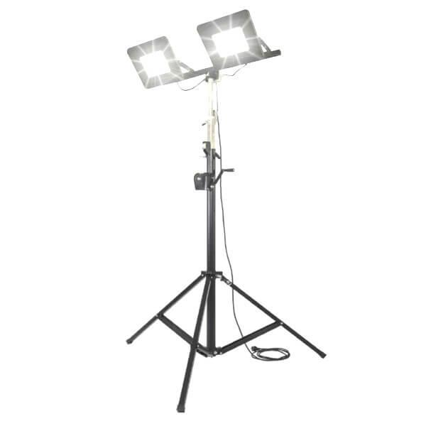 maszty-stojaki-oswietleniowe-LM2x150AW-on