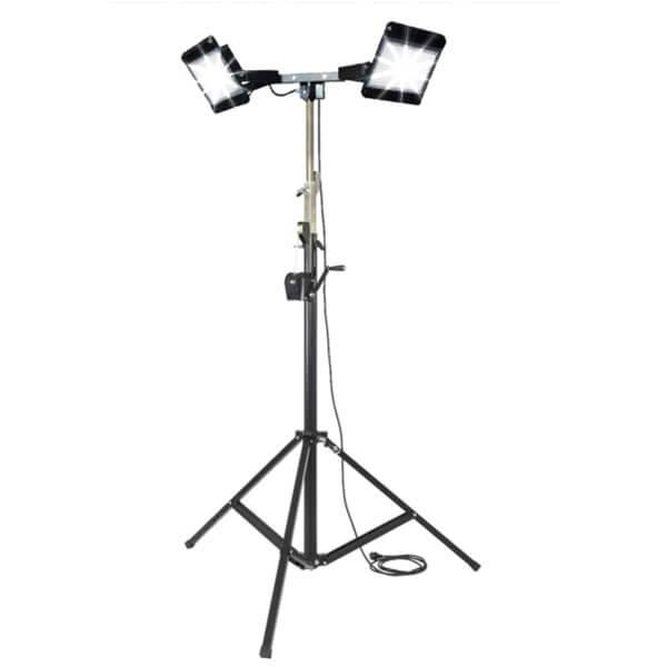 maszty-stojaki-oswietleniowe-LM2x200RF-on