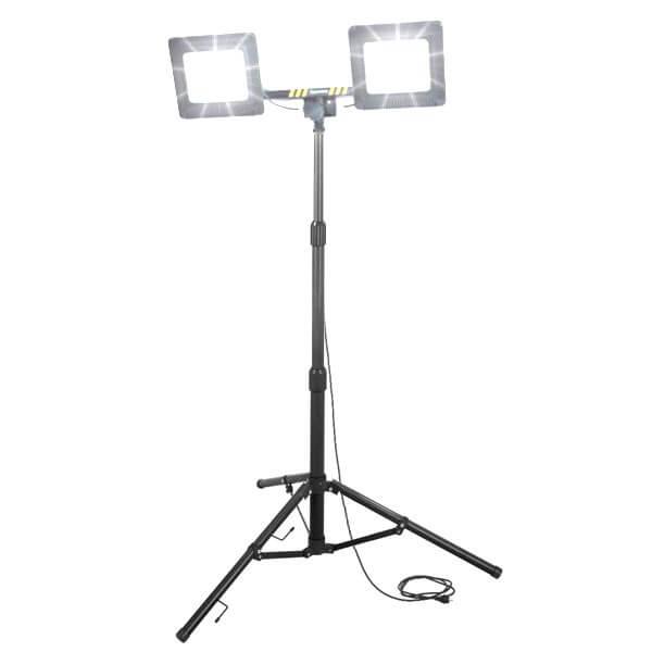 maszty-stojaki-oswietleniowe-LM2x50AW-on