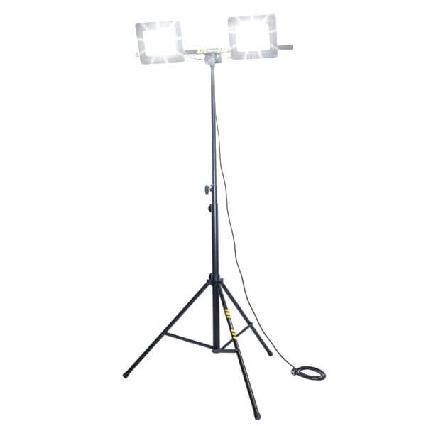 maszty-stojaki-oswietleniowe-LM2x50_3AW-on
