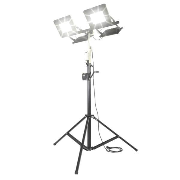 maszty-stojaki-oswietleniowe-LM4x150AW-on