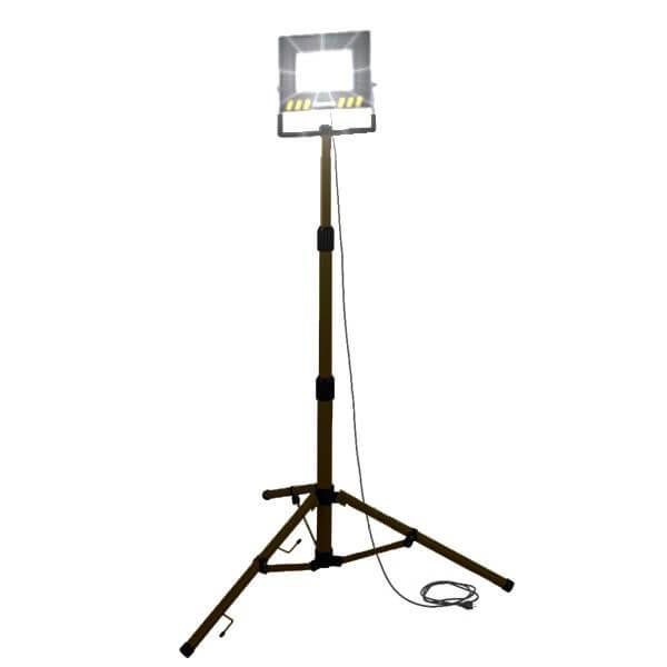 maszty-stojaki-oswietleniowe-LM50AW-on