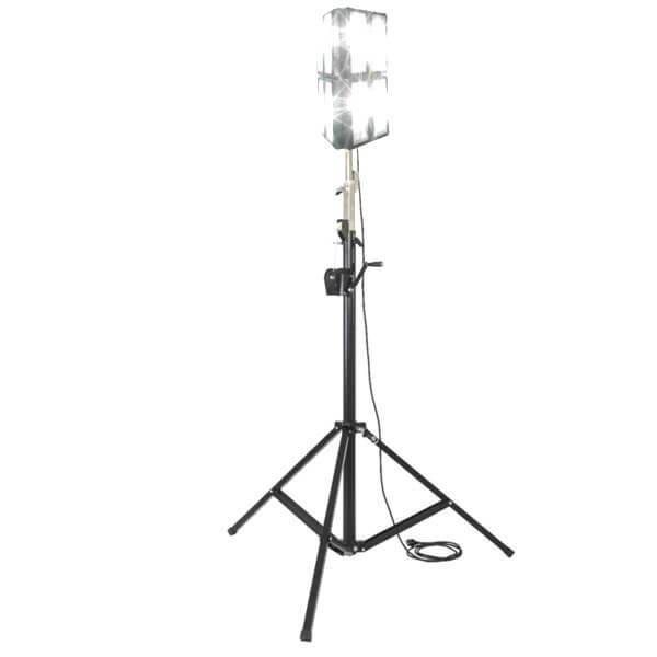 maszty-stojaki-oswietleniowe-LMx600F-on