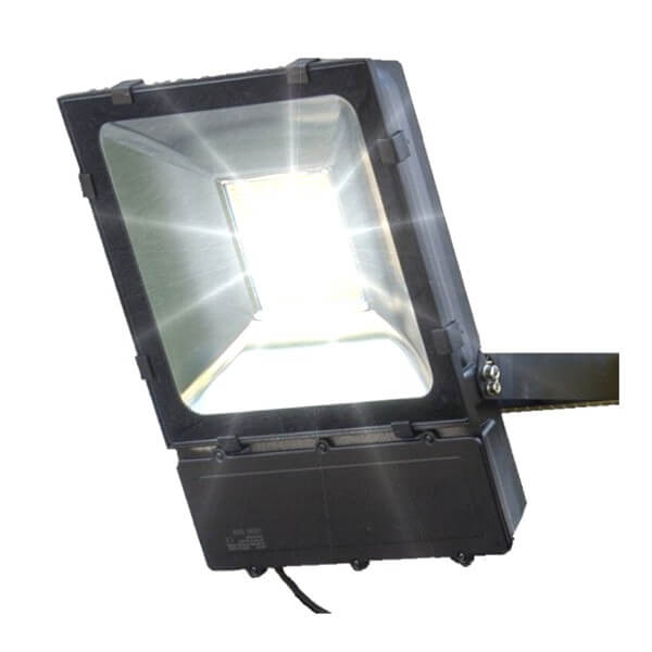 naświetlacz-lampa-LED-SMD-LLS100A-on