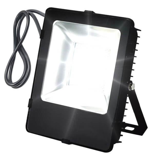 naświetlacz-lampa-LED-SMD-LLS100AK-on