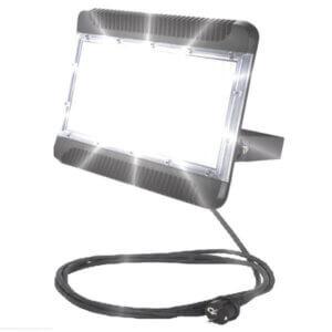 naświetlacz-lampa-LED-SMD-LLC200AK-on
